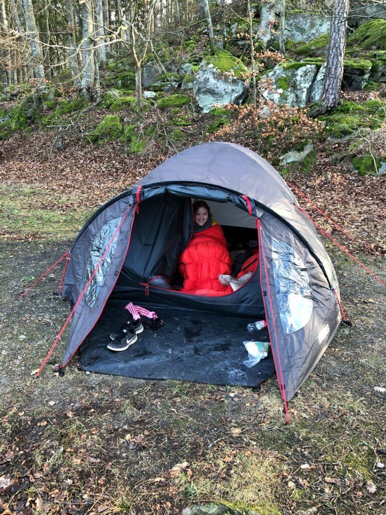 Mathilde i teltet